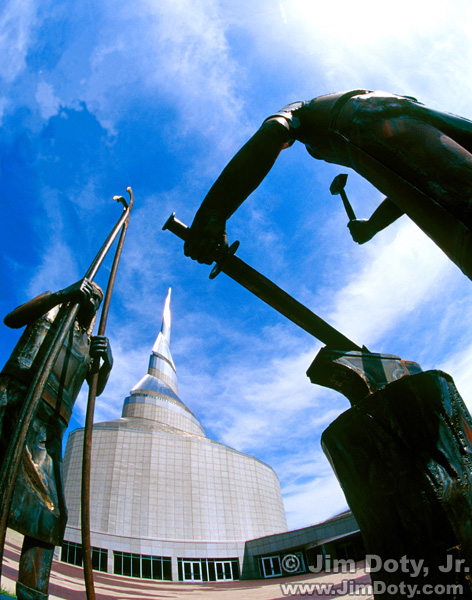Peace Statue, The Temple. Independence, Missouri.