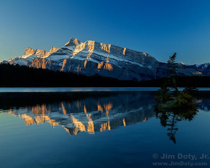 Mount Rundle, Two Jack Lake